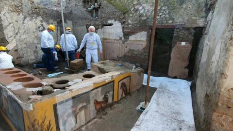 researchers-discovered-the-thermopolium-the-ancestor-of-the
