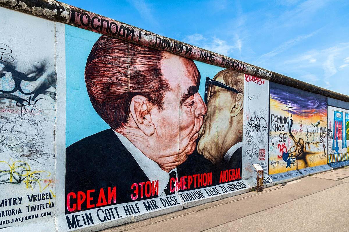 east-side-gallery-berlin-wall-public-art