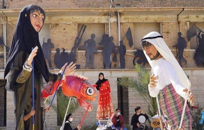 عروسکهای غولپیکر در نمایش محیطزیستی «دریا، زمین ماهیهاست»