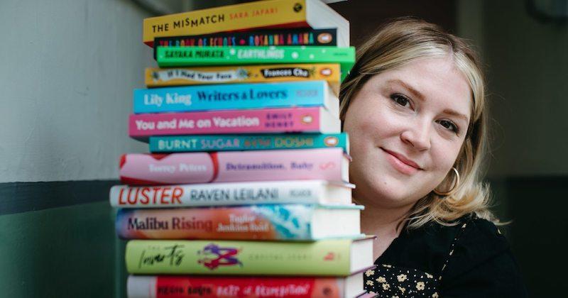 داستان کتابفروشی که فقط کتابهای نویسندگان و هنرمندان زن را میفروشد