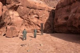 سازه فلزی اسرارآمیز صحرای یوتا ناپدید شد