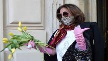 لیدی گاگا با اشک و گل لاله، رم را ترک کرد