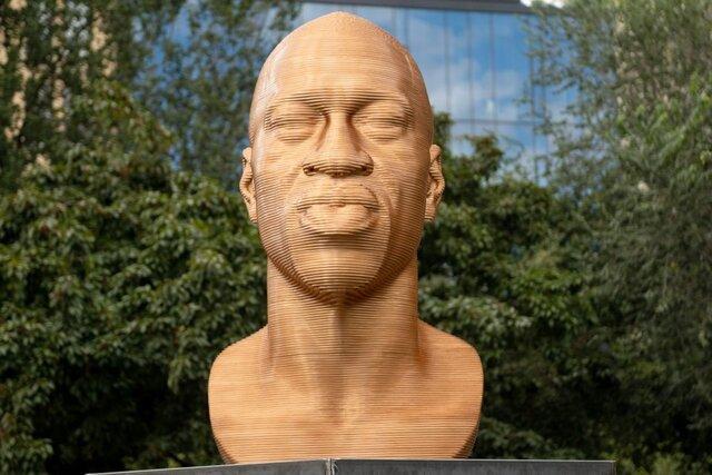 نمایش مجسمه «جورج فلوید» در نیویورک