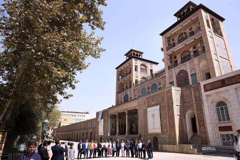 نمایش مشقهای ناصرالدین شاه در حوضخانه کاخ گلستان