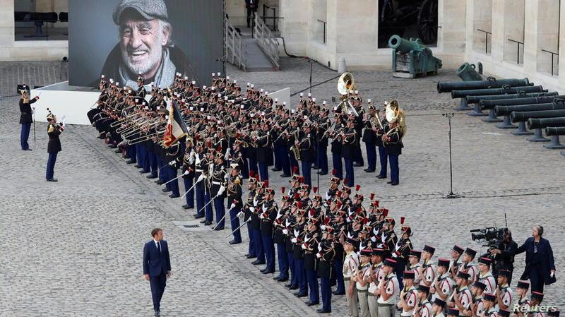 وداع با «بلموندو» با نوای موسیقی «موریکونه»