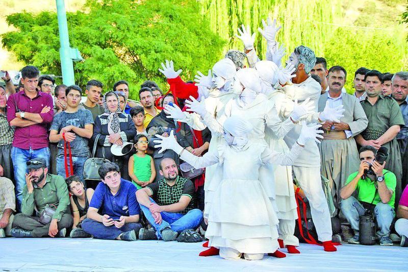 مریوان پایتخت تئاتر خیابانی ایران