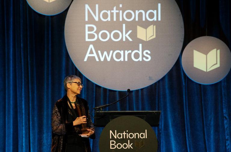 نامزدهای جایزه کتاب ملی آمریکا در سال ۲۰۲۱ اعلام میشوند