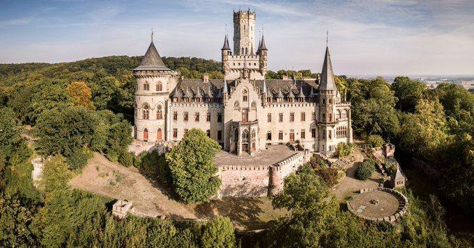 قصری با معماری گوتیک به قیمت یک یورو فروخته شد!