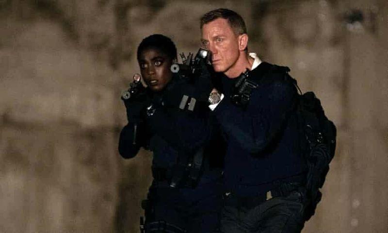جیمز باند ۲۵ پرفروشترین فیلم سال میشود؟
