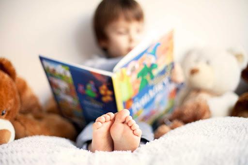 ده کتاب خواندنی که میتوان به کودکان و نوجوان هدیه داد