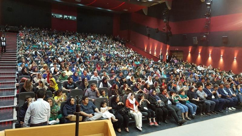 بلیت نیم بهای سینما در روز دانشجو