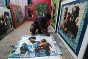 هنرمندی که زبالههای پلاستیکی ساحل عاج را به اثر هنری تبدیل میکند