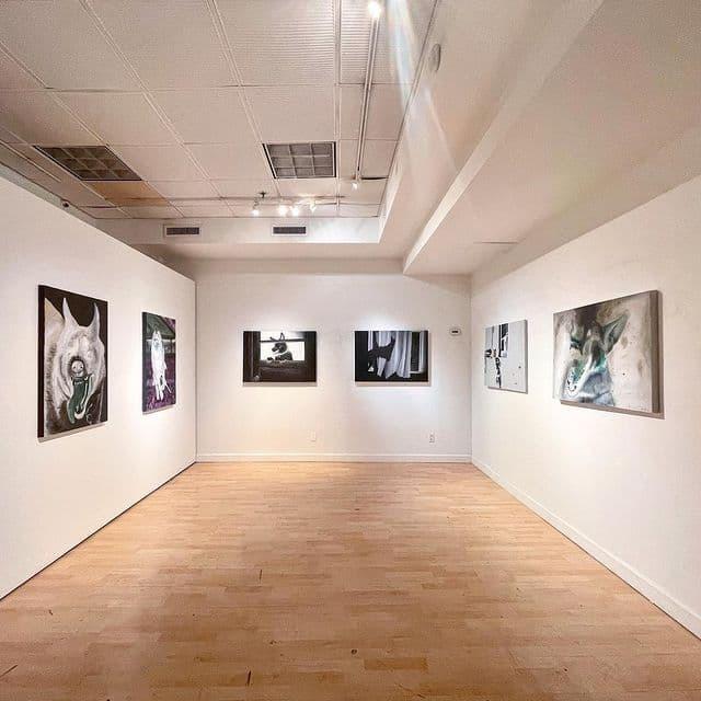 نمایشگاه «روزهای سگی 2020» در گالری آرتیفکت نیویورک