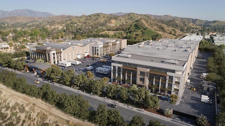 سرمایهگذاری ۷۰۰ میلیون پوندی هالیوود در بریتانیا؛ بروکسبورن مرکز تازه سینمای جهان میشود